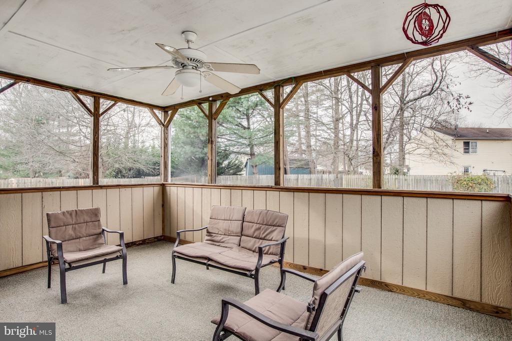 Screened in porch - 11016 LEAVELLS RD, FREDERICKSBURG