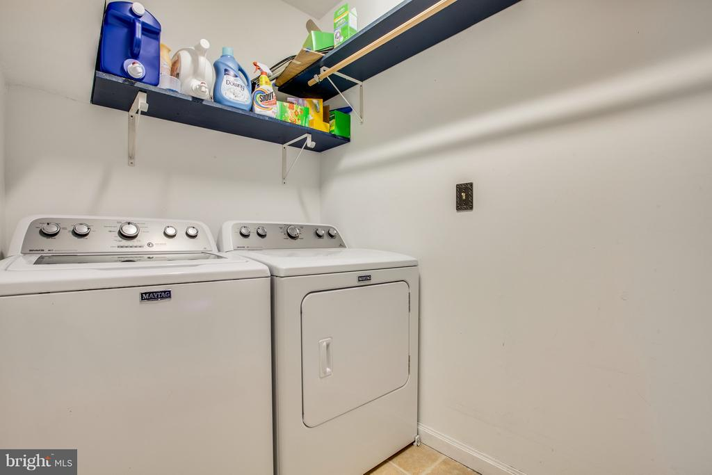 Separate laundry room - 11016 LEAVELLS RD, FREDERICKSBURG