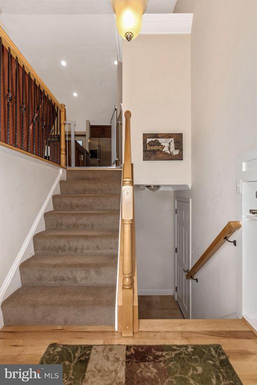 Split Foyer - 6402 DEVONSHIRE LN, FREDERICK