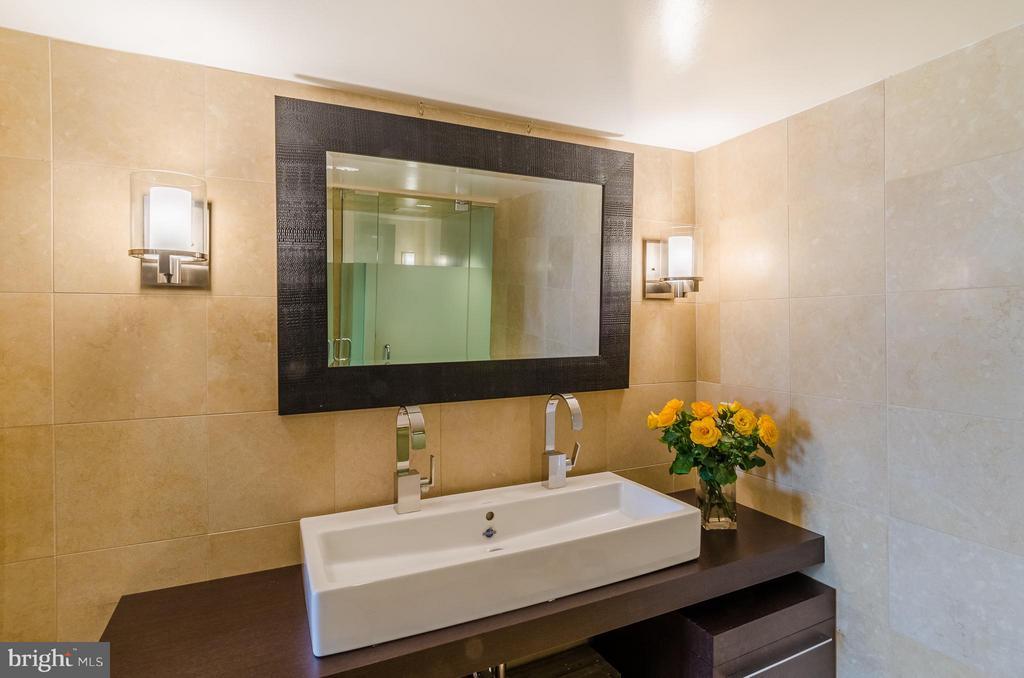 Master Bath - 700 NEW HAMPSHIRE AVE NW #107, WASHINGTON