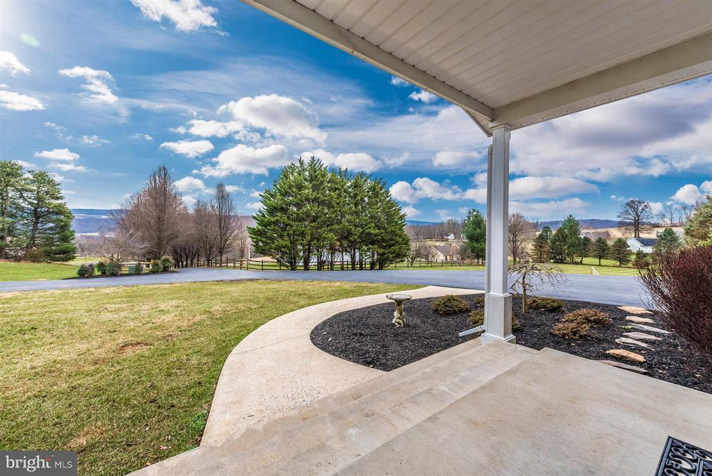 Stunning views you'd find on puzzle box covers! - 10538 CHURCH HILL RD, MYERSVILLE
