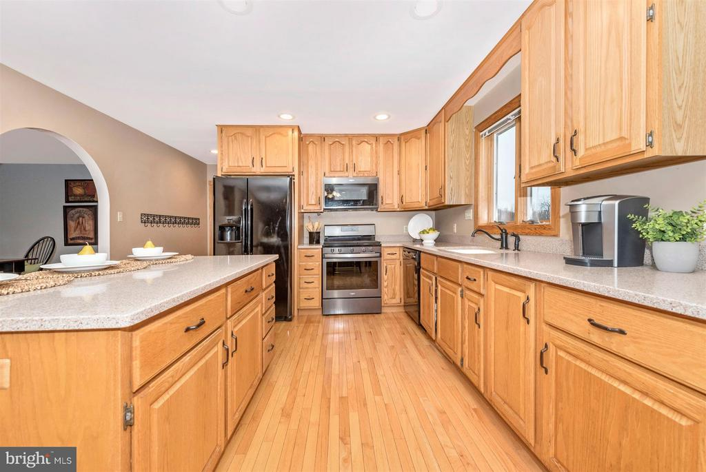 Plenty of work space to prepare treasured recipes. - 10538 CHURCH HILL RD, MYERSVILLE