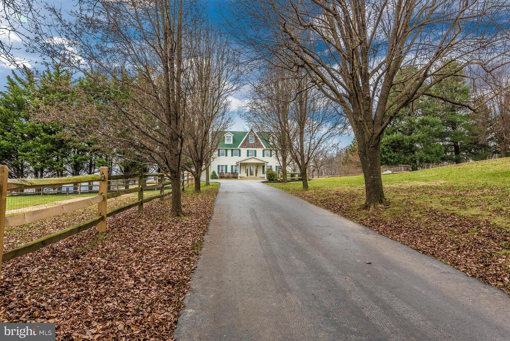 Beautiful tree lined driveway welcomes you HOME! - 10538 CHURCH HILL RD, MYERSVILLE