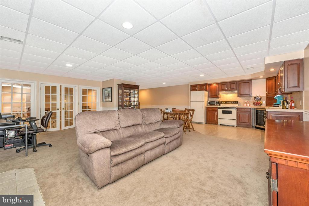 Perfect space for Superbowl parties or sleepovers! - 10538 CHURCH HILL RD, MYERSVILLE