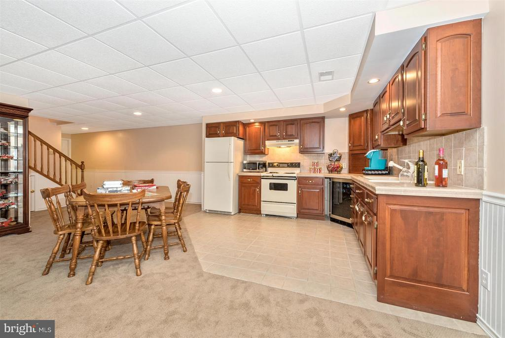 Lower level boasts a large Great Room w/kitchen. - 10538 CHURCH HILL RD, MYERSVILLE
