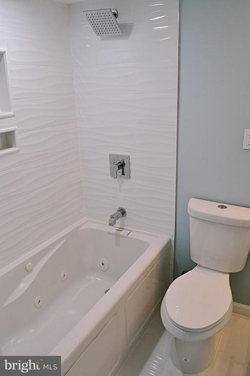 Bathroom #2 in Master Bedroom (Room #3) - 1125 12TH ST NW #B1, WASHINGTON