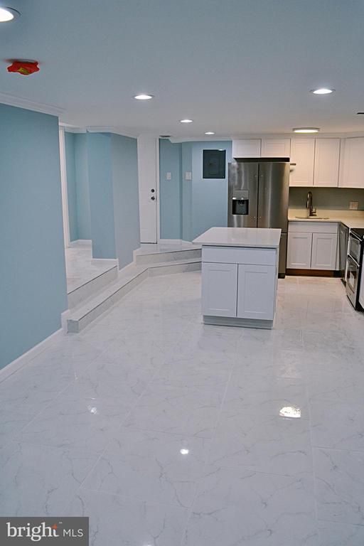 Living Room/Kitchen - 1125 12TH ST NW #B1, WASHINGTON