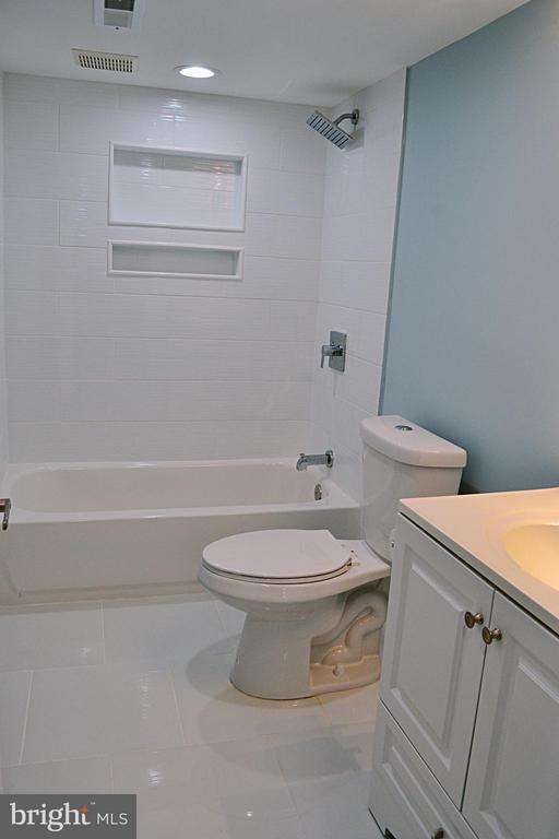 Bathroom #1 - 1125 12TH ST NW #B1, WASHINGTON