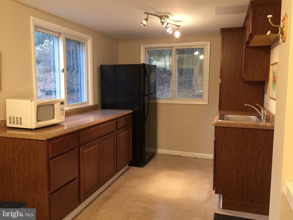 2nd Kitchen off of Family Room - 17945 BOWIE MILL RD, ROCKVILLE