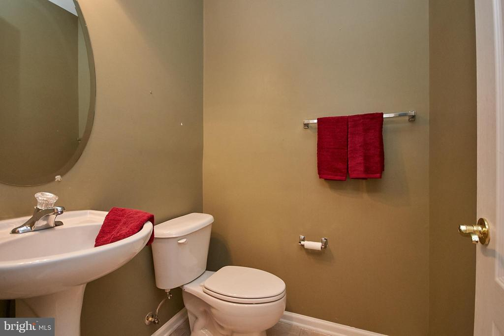 Powder Room - 9738 CORBETT CIR, MANASSAS PARK