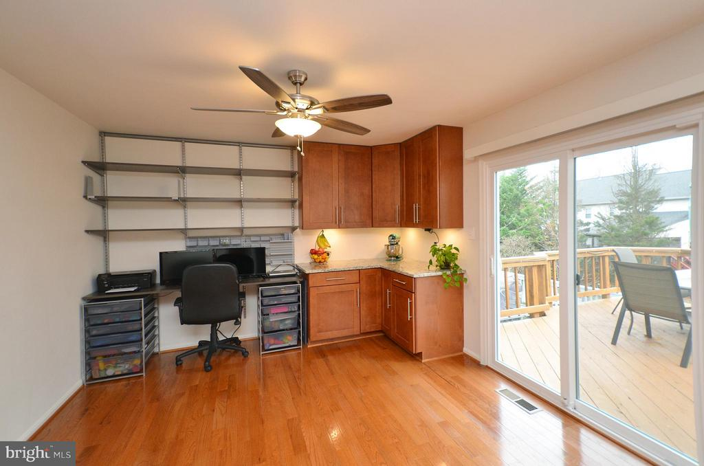 Additional Cabinet & Built-in Elfa Shelving - 44114 GALA CIR, ASHBURN