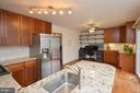 Beautiful Granite Countertops - 44114 GALA CIR, ASHBURN