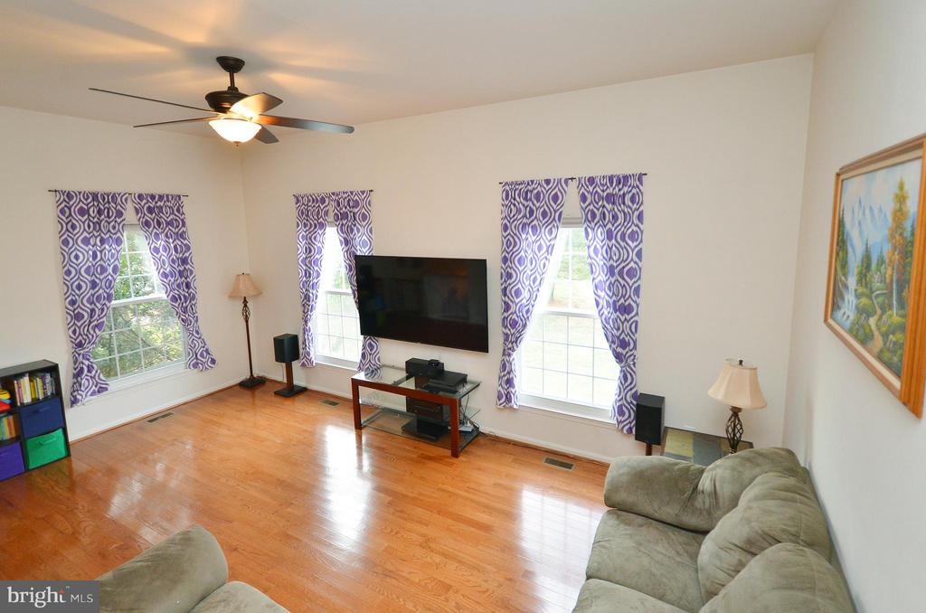 Open & Bright Living Room - 44114 GALA CIR, ASHBURN