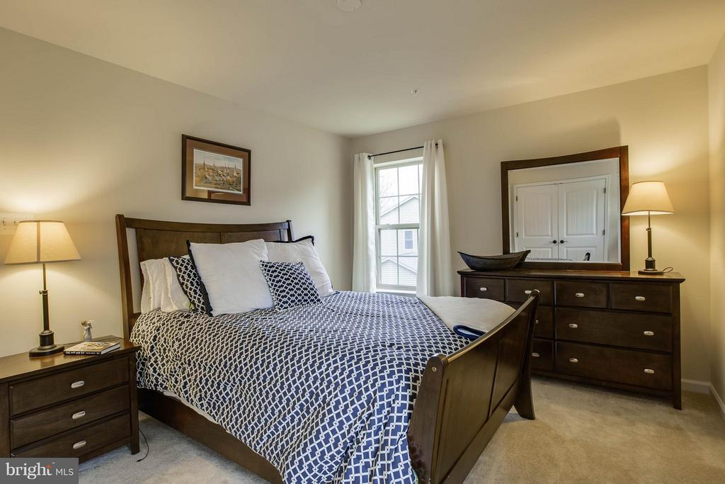 Spacious 4th bedroom with large closet - 7131 MASTERS RD, NEW MARKET