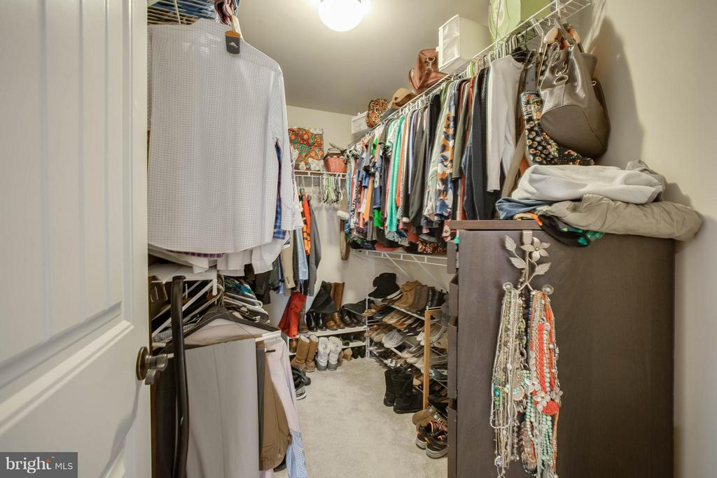 One of TWO walk in closets - 7131 MASTERS RD, NEW MARKET