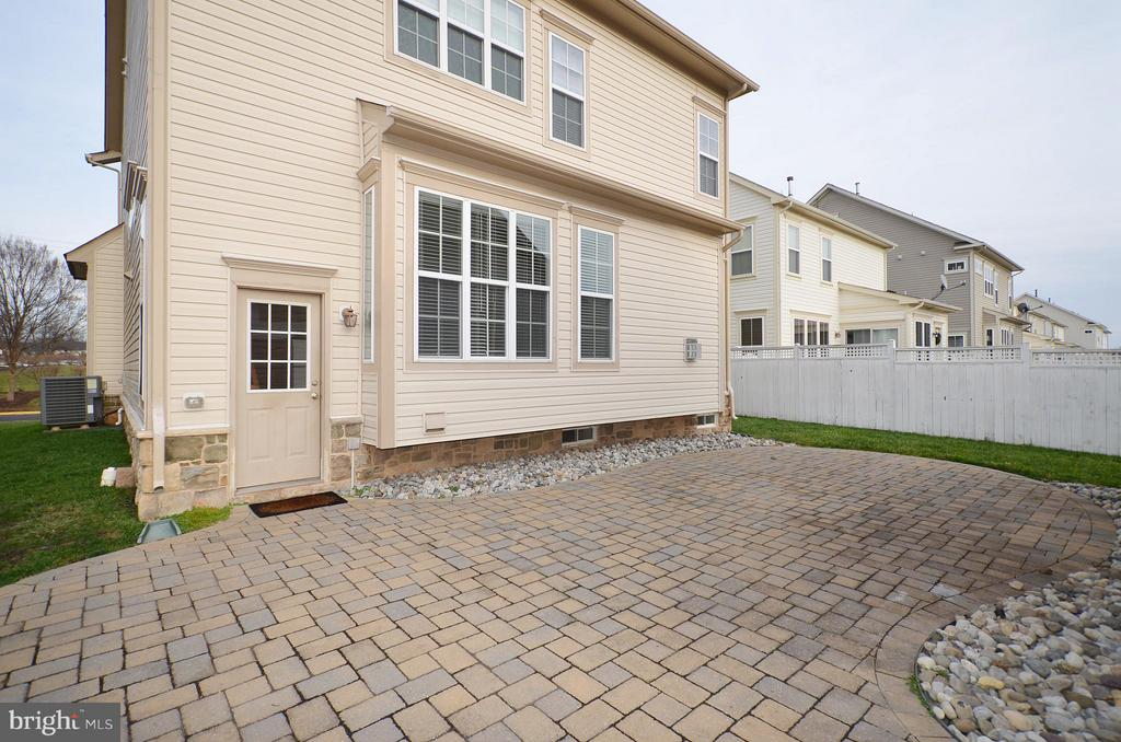 Huge Brick Paver Patio - 23386 HIGBEE LN, BRAMBLETON