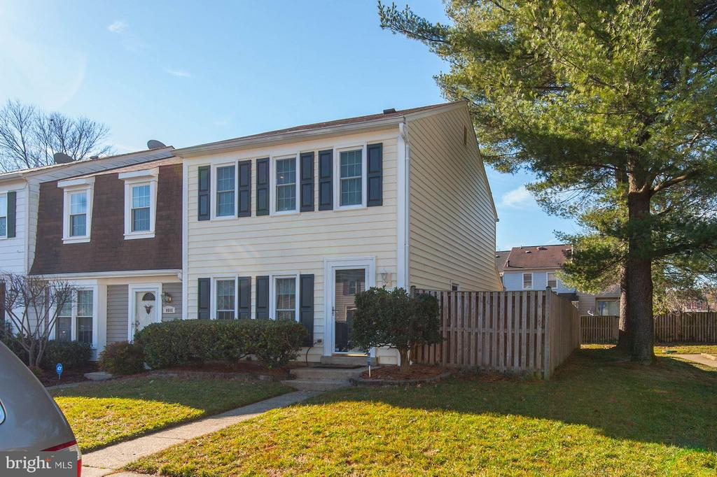 8090  BARCAROLE COURT, West Springfield, Virginia
