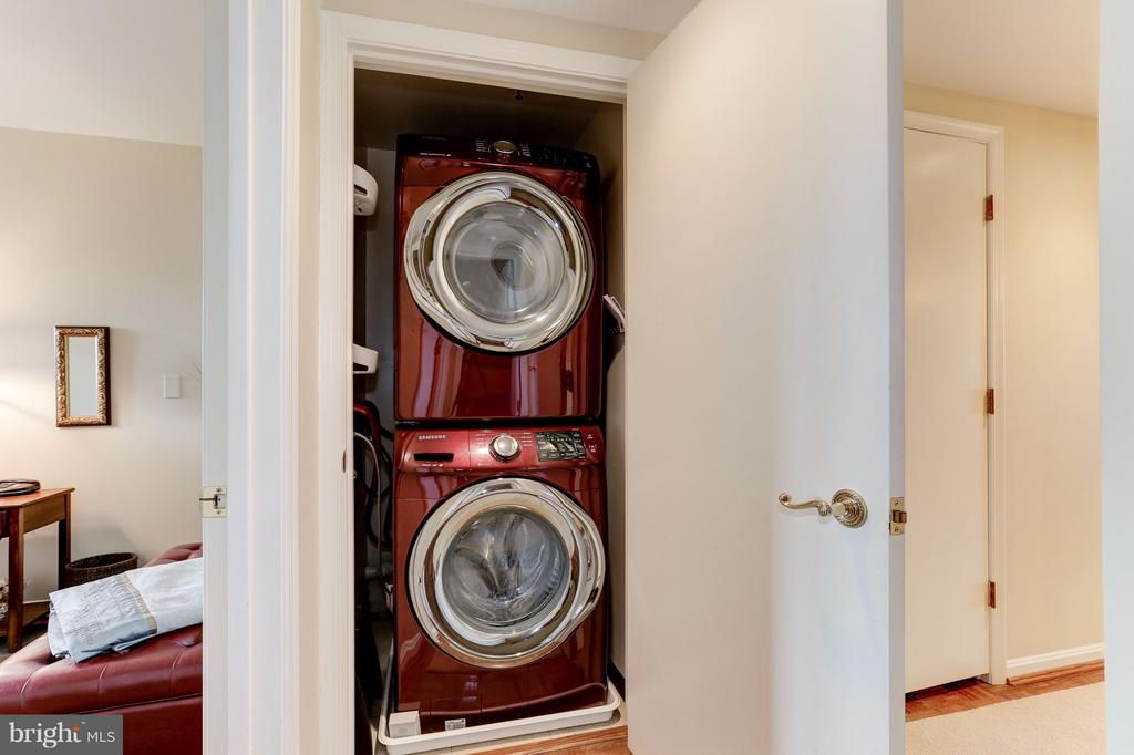 Brand New Washer and Dryer - 1401 N OAK ST #603, ARLINGTON