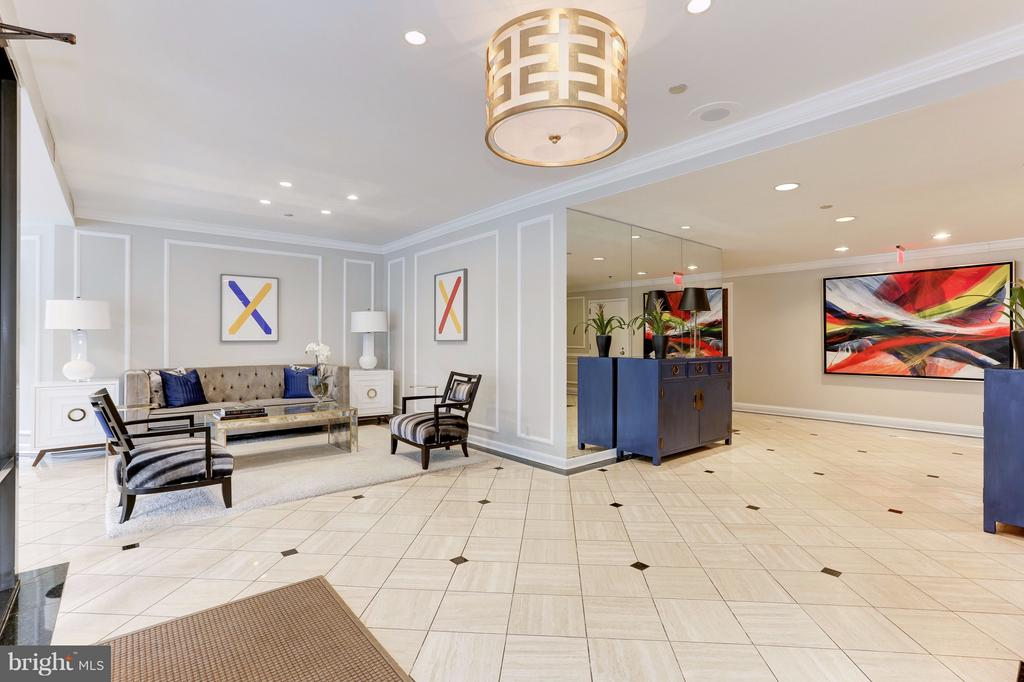 Recently Renovated Lobby - 1401 N OAK ST #603, ARLINGTON