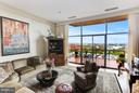 Living Space with 12' Ceilings - 1401 N OAK ST #603, ARLINGTON