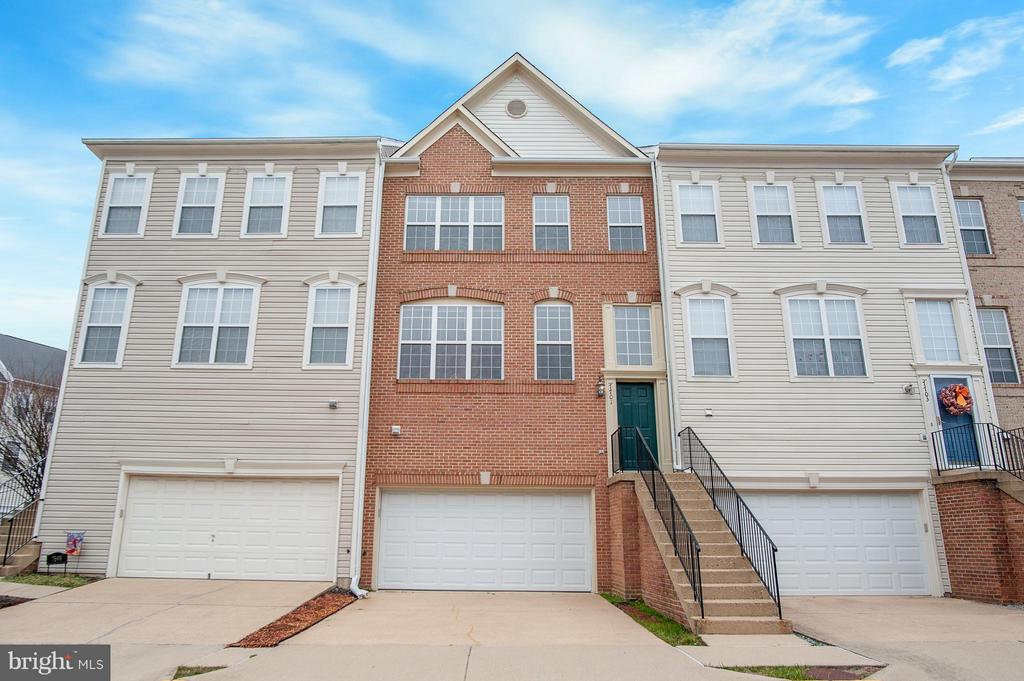 One of Kingstowne 3 Bedroom Homes for Sale at 7701  MARTIN ALLEN COURT