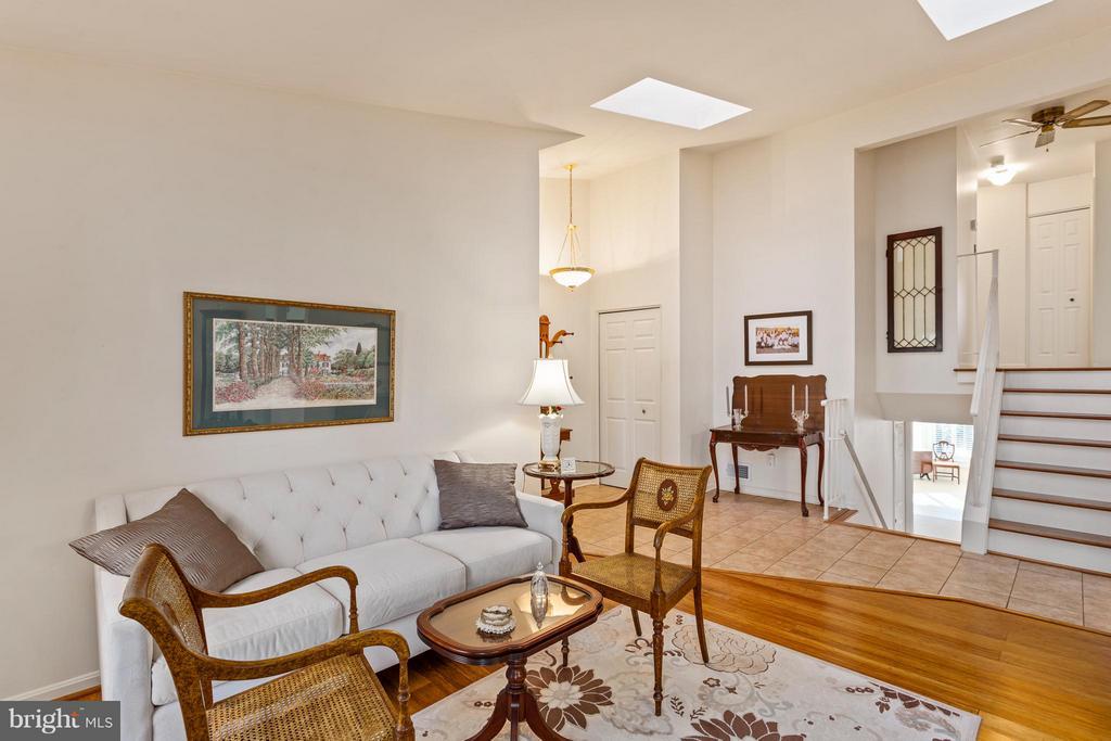 Living Room, Foyer & Staircase view - 10001 WOOD SORRELS LN, BURKE