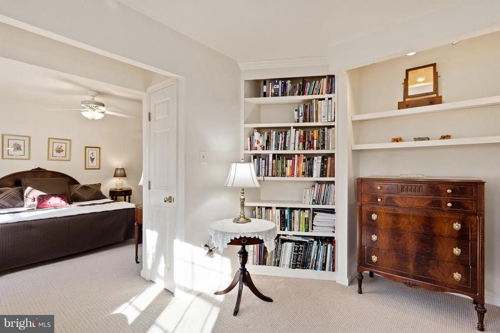 Master Sitting Room/Dressing Room - 10001 WOOD SORRELS LN, BURKE