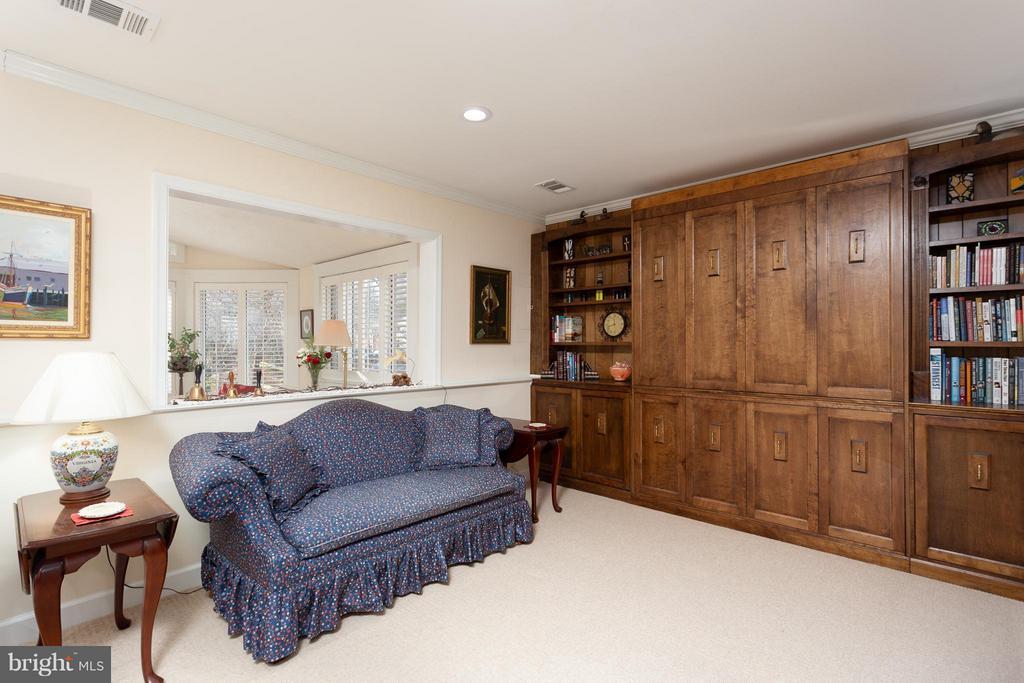 Family Room/BR3 with Custom Builtins - 10001 WOOD SORRELS LN, BURKE