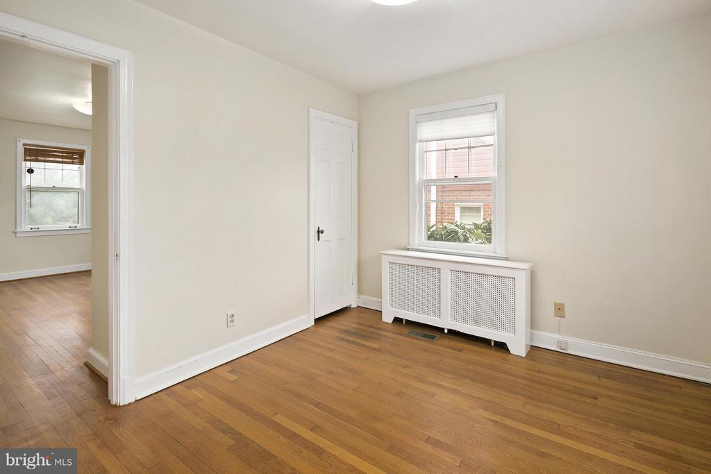 Upper Level Bedroom 1 - 309 TIMBERWOOD AVE, SILVER SPRING