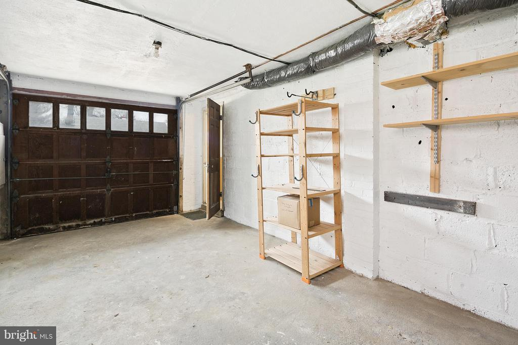 Spacious Garage w/Storage Space - 309 TIMBERWOOD AVE, SILVER SPRING