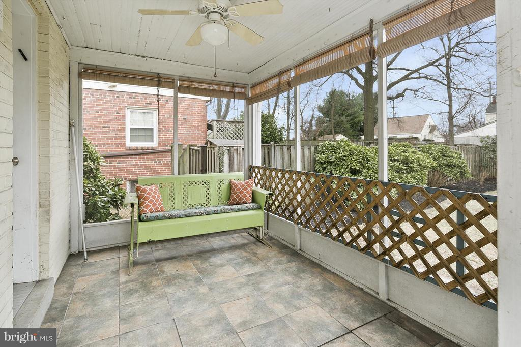 Screened in Porch - 309 TIMBERWOOD AVE, SILVER SPRING