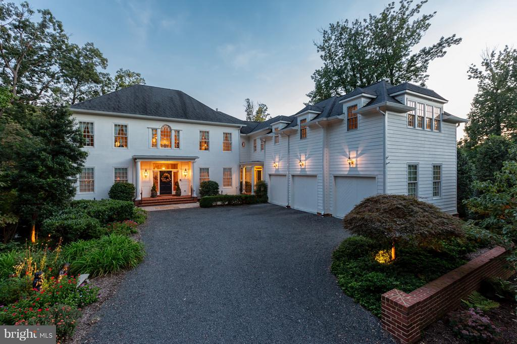1103  FINLEY LANE, Alexandria, Virginia