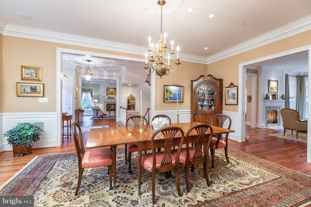 Embassy sized dining room - 1103 FINLEY LN, ALEXANDRIA