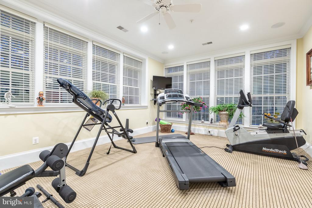 Exercise room with pool views - 1103 FINLEY LN, ALEXANDRIA