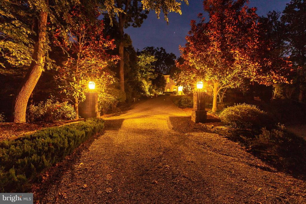 Lighted driveway approaches the residence - 1103 FINLEY LN, ALEXANDRIA