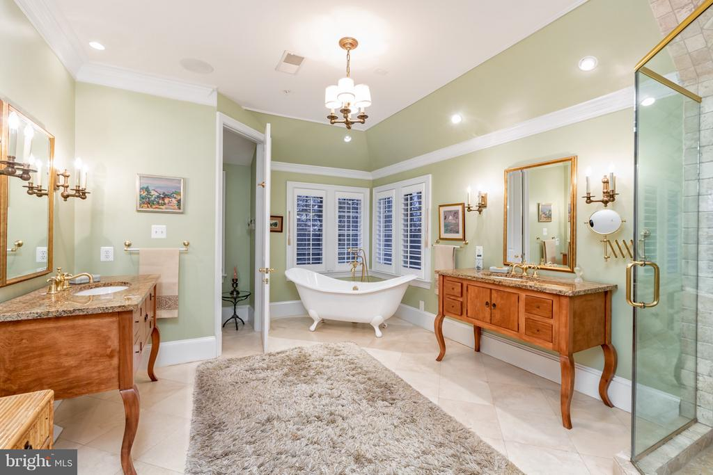 Master bath includes custom vanities - 1103 FINLEY LN, ALEXANDRIA
