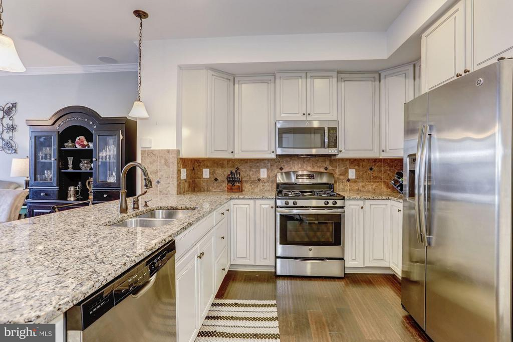 Kitchen - Lots of Counter Top Space for Meal Prep - 7530 BRUNSON CIR, GAINESVILLE