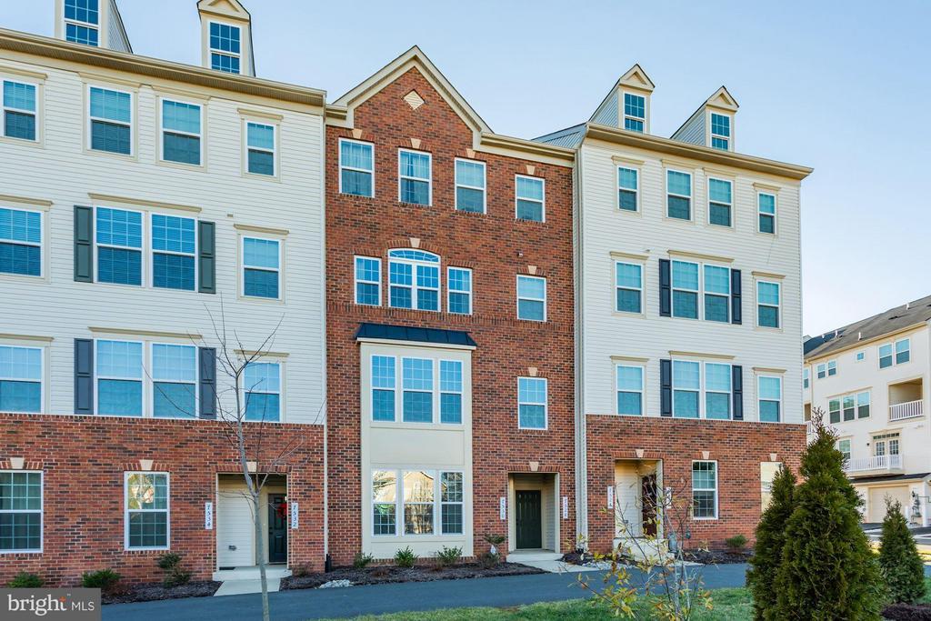 WELCOME HOME! Exterior Brick Front. - 7530 BRUNSON CIR, GAINESVILLE