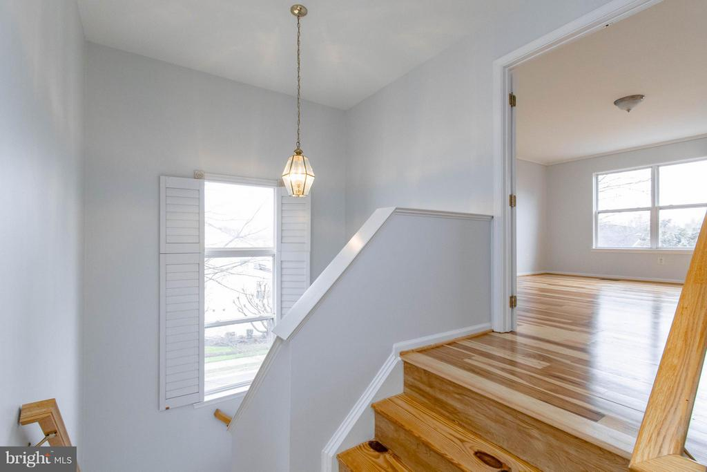 Staircase - 3013 ROSE ARBOR CT, FAIRFAX
