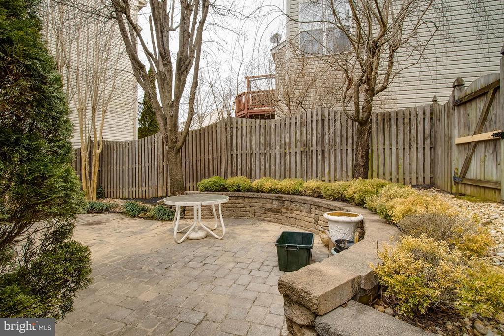 Backyard - 3013 ROSE ARBOR CT, FAIRFAX