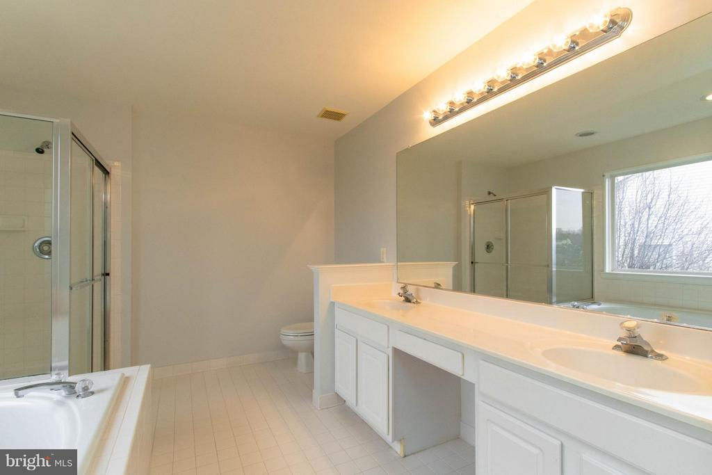 Master Bath - 3013 ROSE ARBOR CT, FAIRFAX