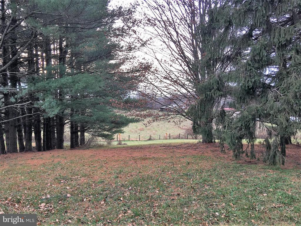 View from front of house - 7115 DAMASCUS RD, GAITHERSBURG
