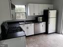 Kitchen - 6513 SARA ALYCE CT, BURKE