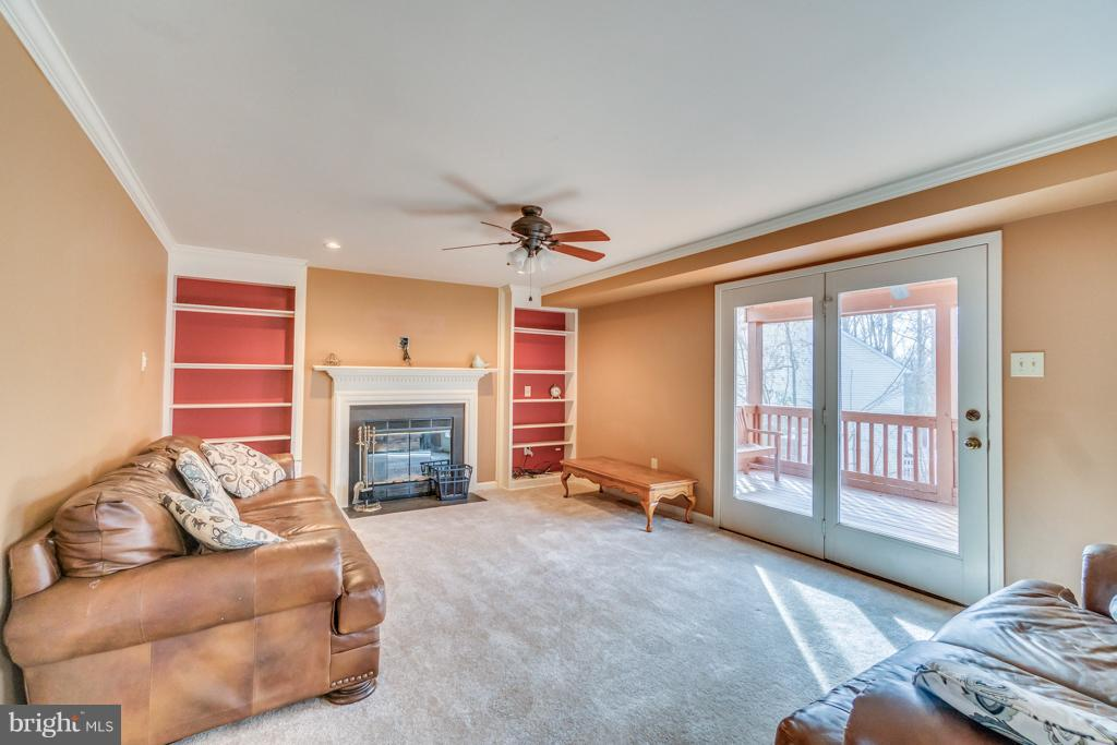 Family room off kitchen - 3227 TITANIC DR, STAFFORD