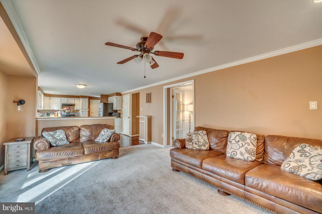 View of family room towards kitchen - 3227 TITANIC DR, STAFFORD