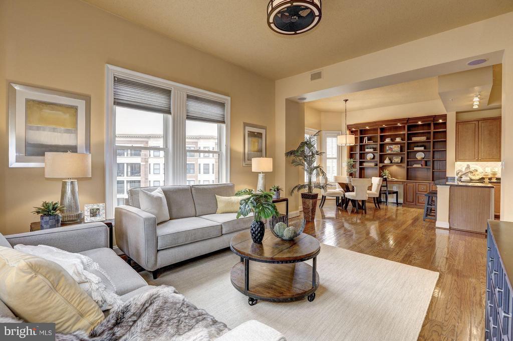 Family Room - 10401 STRATHMORE PARK CT #3-404, ROCKVILLE