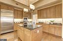 Kitchen - 10401 STRATHMORE PARK CT #3-404, ROCKVILLE
