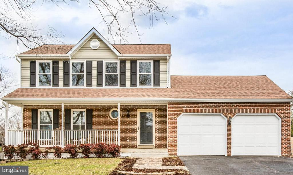 Welcome Home! Cozy Colonial on quiet cul de sac - 6 DEENE CT, STAFFORD