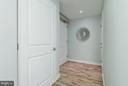 Large entry hall and foyer with closet space - 888 N QUINCY ST #901, ARLINGTON