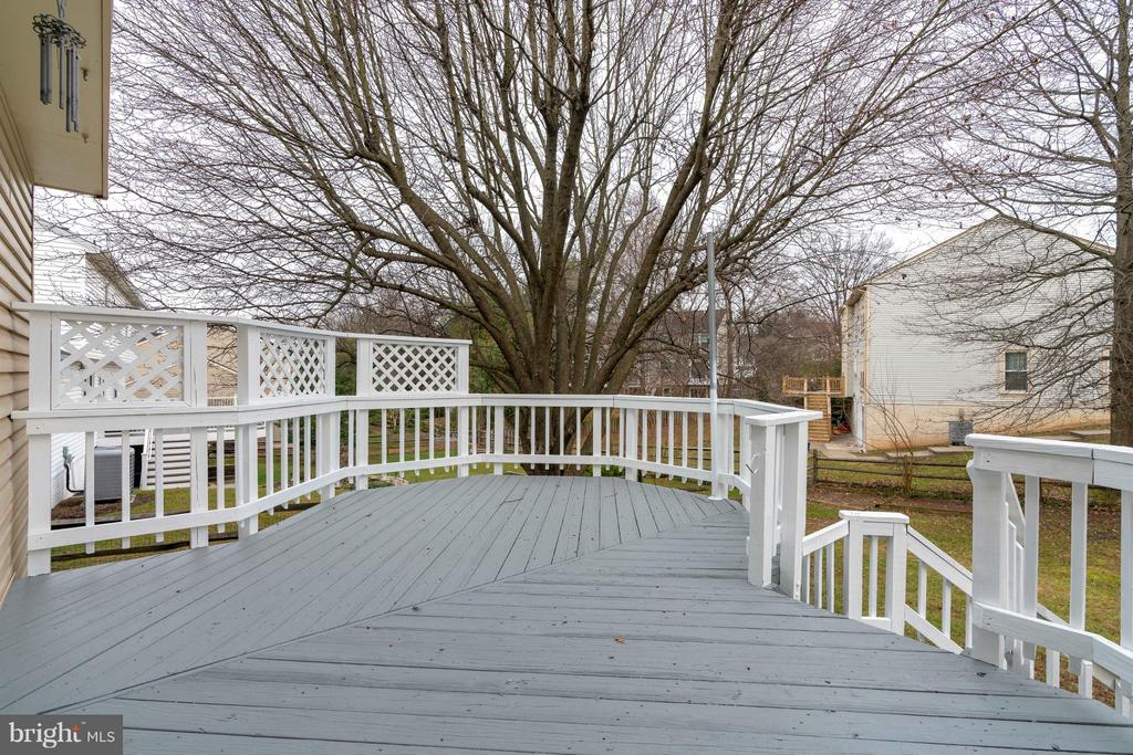 Charming Deck - 20064 GREAT FALLS FOREST DR, GREAT FALLS